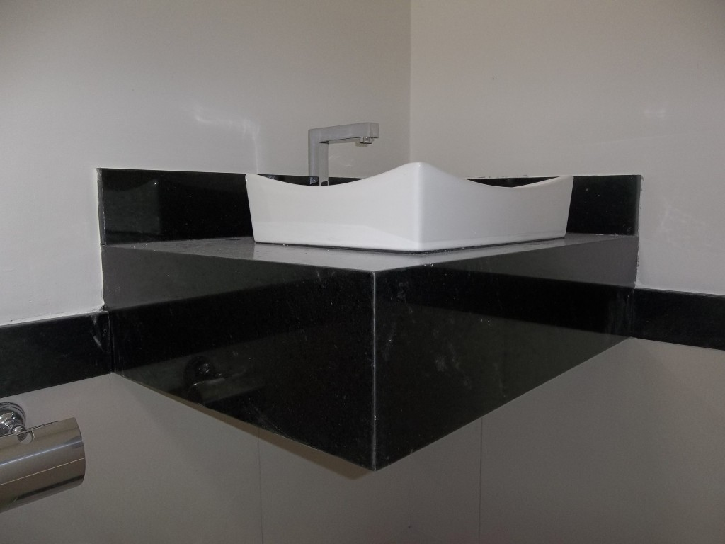 Lavatorio De Granito Para Banheiro Varios Tipos De Granito E Cores  #57534F 1024x768 Bancada Banheiro Teca